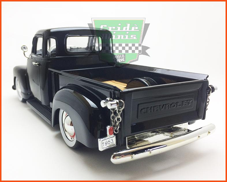 Jada Chevrolet Pick-up 3100 1953 - preta - escala 1/24