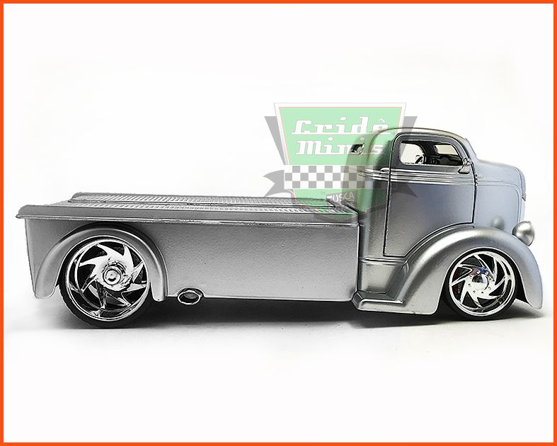 Ford COE Flatbed 1947 - escala 1/24