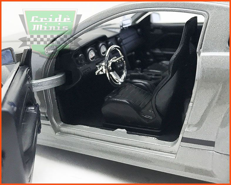 Jada Ford Mustang GT 2006 - escala 1/24