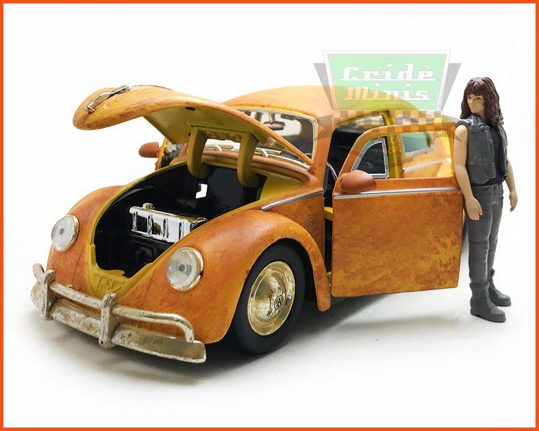 Jada Fusca Transformers com figura Bumblebee - Escala 1/24