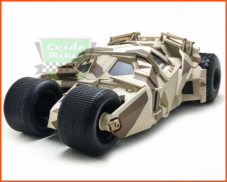 Jada The Dark Knight Batmobile & Batman com figura - Escala 1/24
