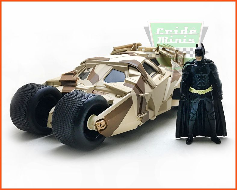 Jada The Dark Knight Batmobile & Batman com figura - Escala 1/24