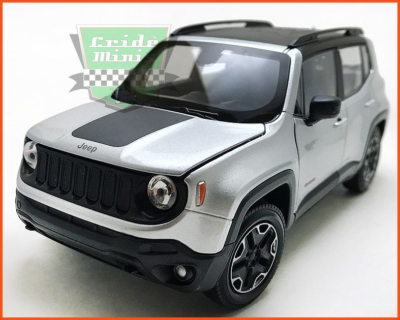 Jeep Renegade 2015 Silver - escala 1/24
