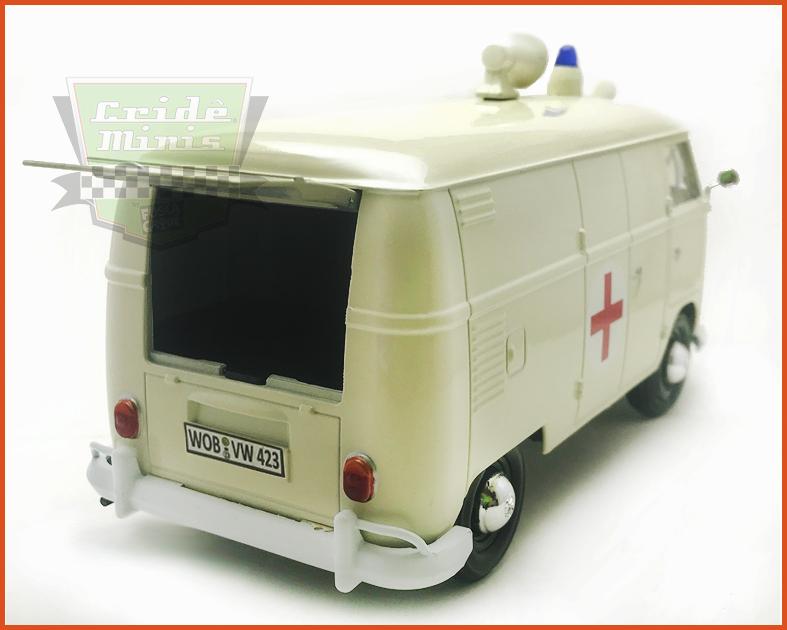 Kombi Furgão Ambulância 1969 - escala 1/24