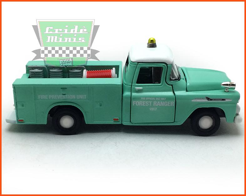 M2 Chevrolet Apache Brush Truck 1958 Ed. Premium 5.000 unid. - escala 1/64