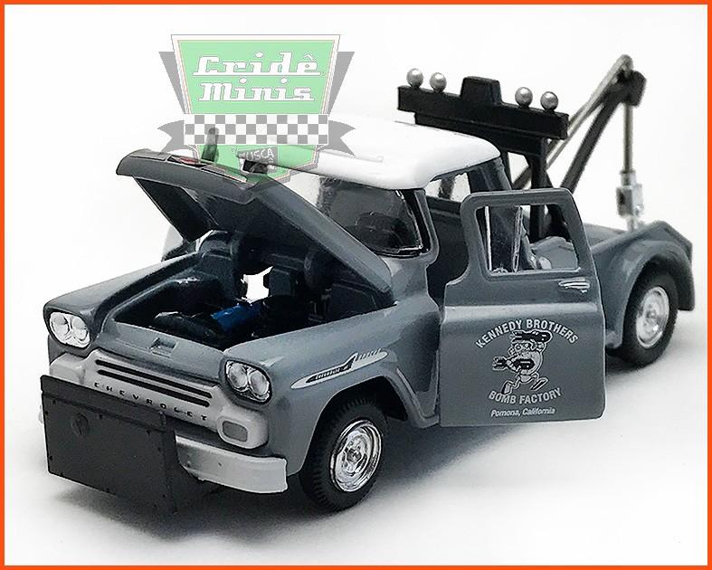 M2 Chevrolet Apache Tow Truck 1958
