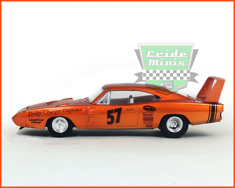 M2 Dodge Charger Daytona HEMI 1969 - Customizado - escala 1/64