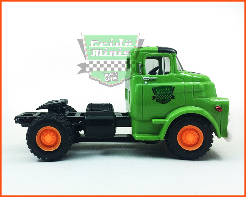 M2 Dodge COE 1957 Customizado - escala 1/64