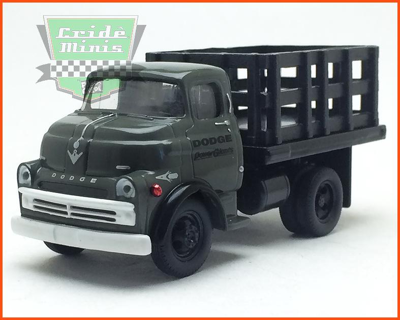 M2 Dodge COE 1957 - Edição Premium 5.000 unidades - escala 1/64