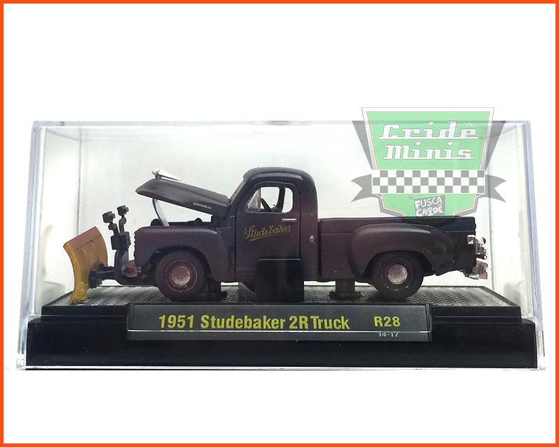M2 Studebaker 2R Truck 1951 - Edição Premium 5.000 unidades Rust - escala 1/64
