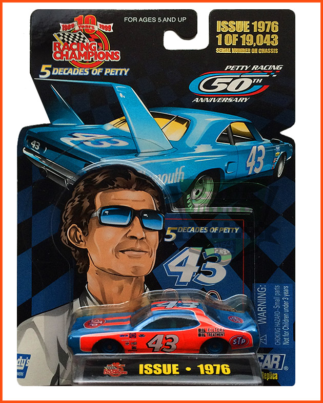 Nascar Dodge 1976 - Richard Petty 50 anos - numerada - escala 1/64
