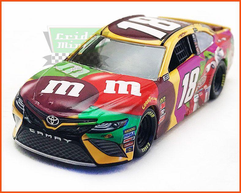 Nascar Toyota Camry 2018 Kyle Busch #18 M&M - escala 1/64