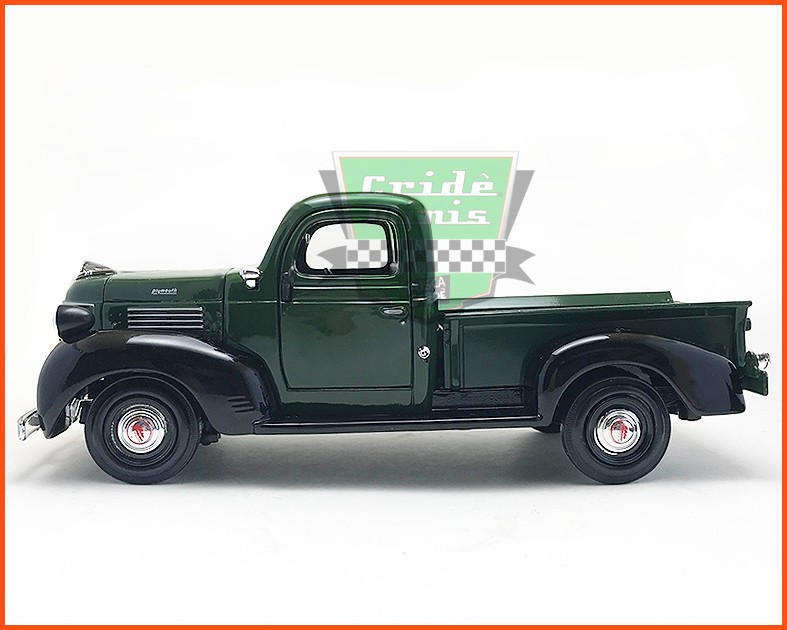 Plymouth Truck 1941 - escala 1/24