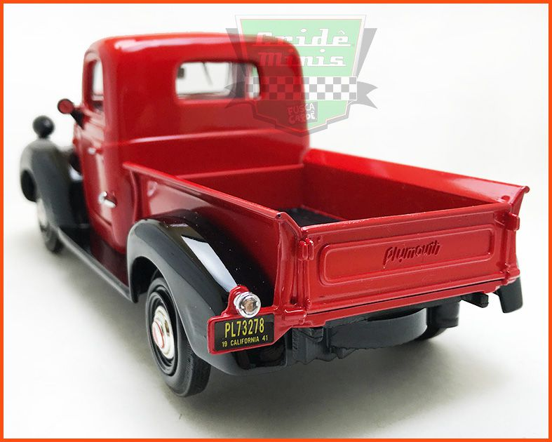 Plymouth Truck 1941 Red - escala 1/24