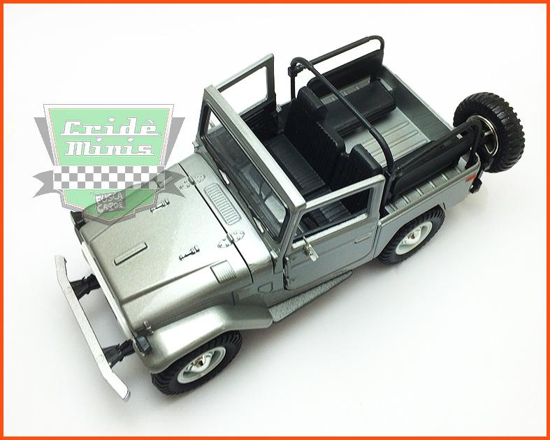 Toyota Safari FJ40 1967 - escala 1/24