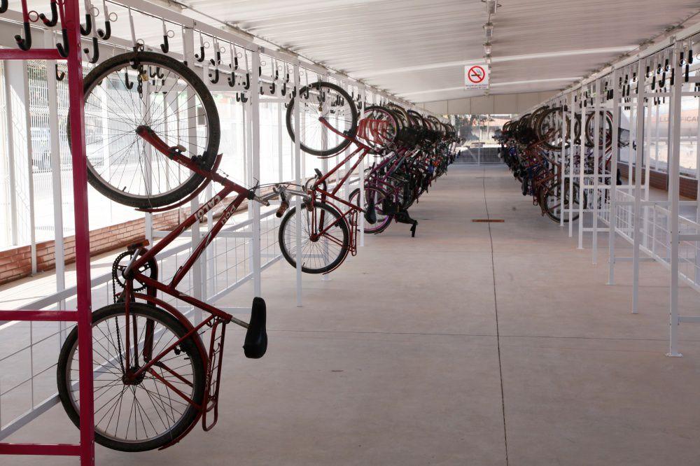 Bicicletário de Correr com 2m - AL 20 - Altmayer  - Loja Portal