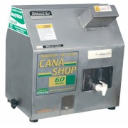 Moenda de Cana Maqtron Cana Shop 60 Hobby Rolo de Inox com Motor 220V