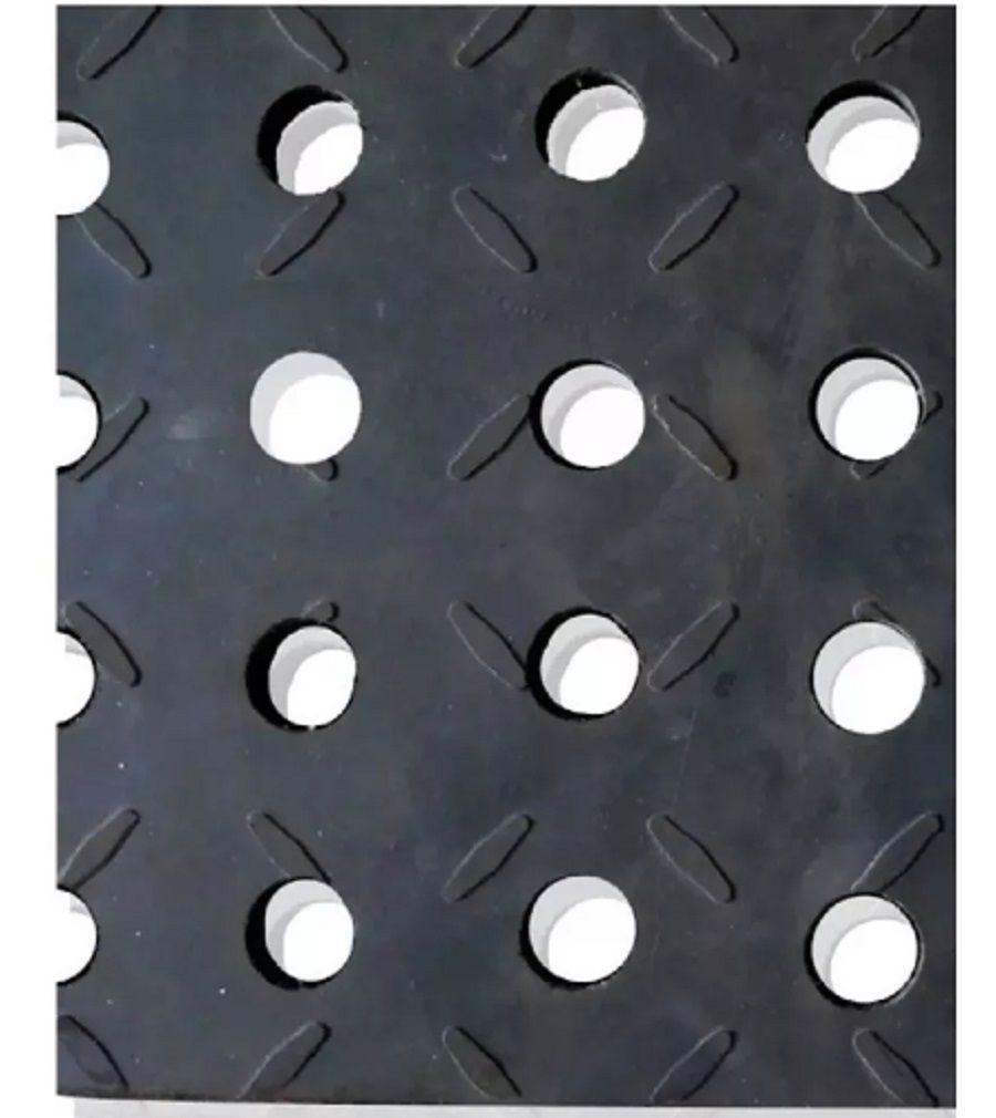 Estrado de Borracha Vazado 19 X 90 X 1100 mm