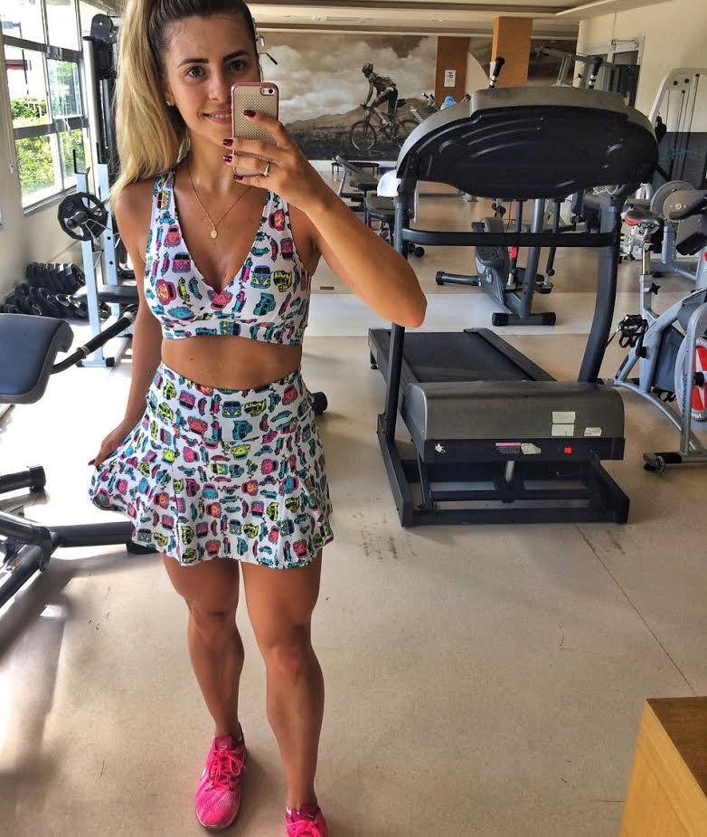 Conjunto Fitness Saia e Top Carrinhos  - Cintura Carioca Moda Fitness