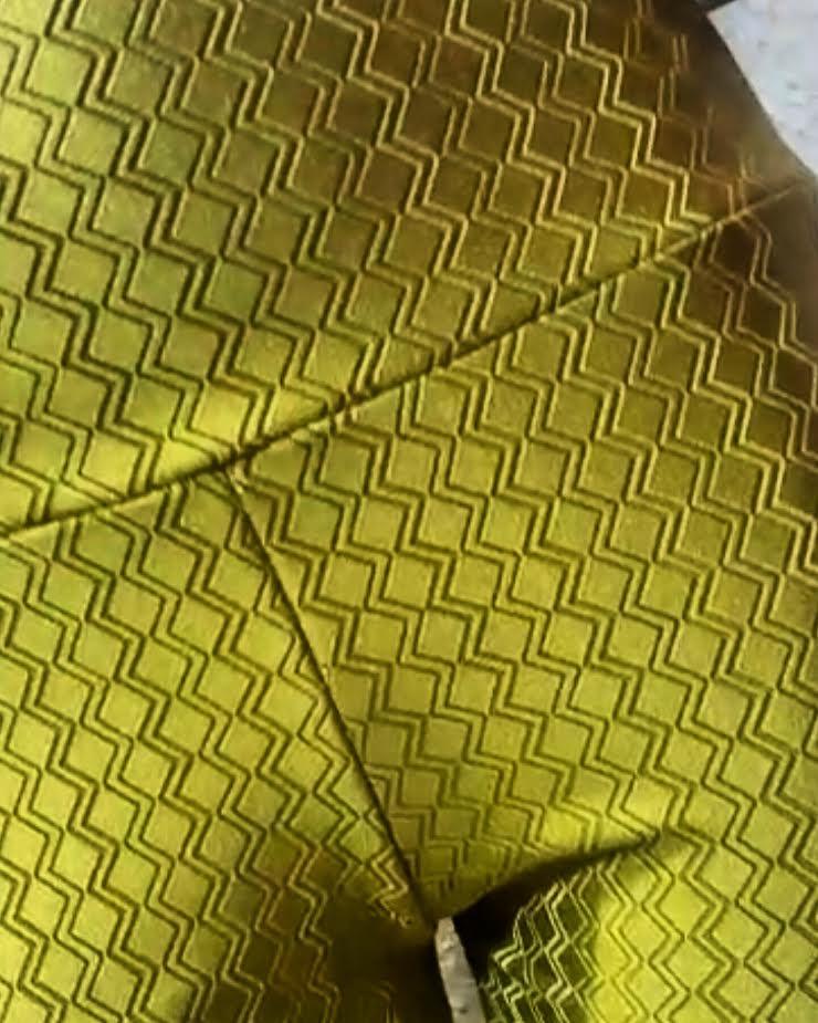 Legging Maquinetada Dourada  - Cintura Carioca Moda Fitness