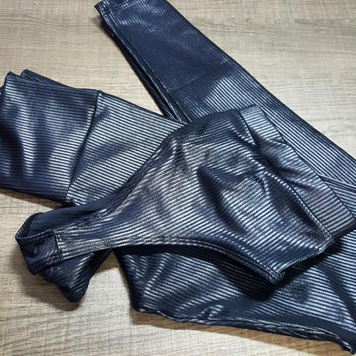Conjunto Legging e Top Preto 3D  - Cintura Carioca Moda Fitness