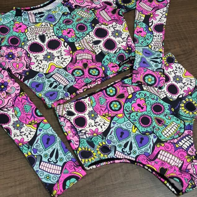 Cropped Caveira Mexicana Hot Pants  - Cintura Carioca Moda Fitness