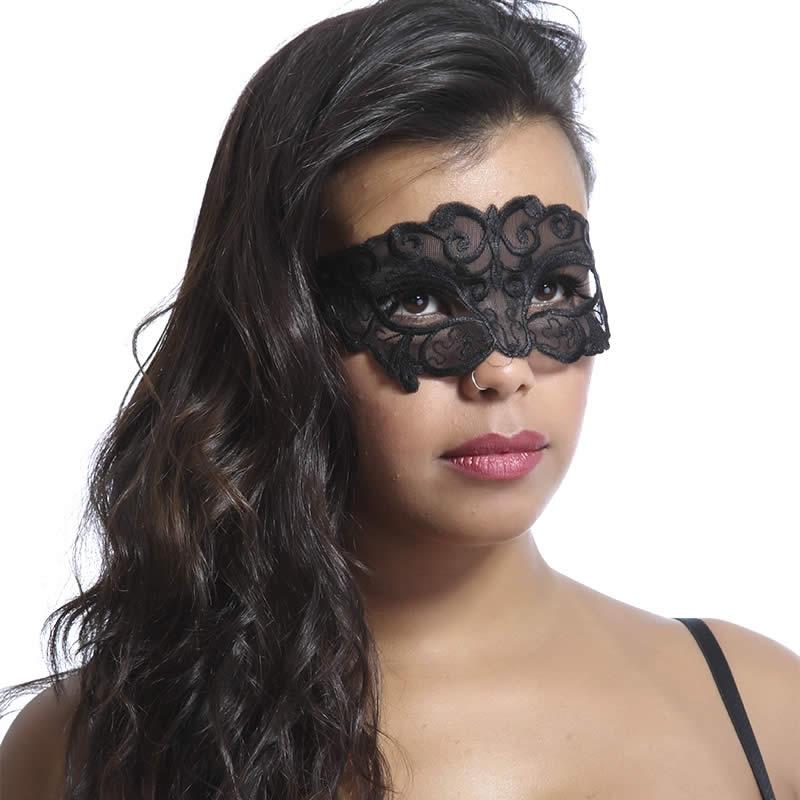 Máscara Preta Sensual Bordada Viúva - VT1154