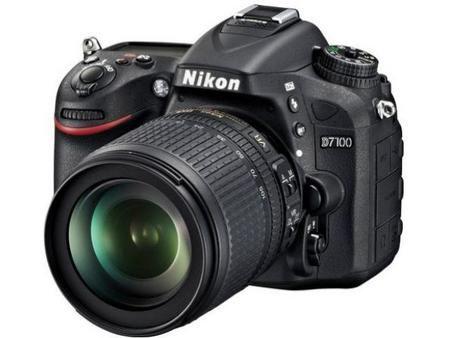 Camera Digital Nikon D7100 Lente 18-105mm Preta