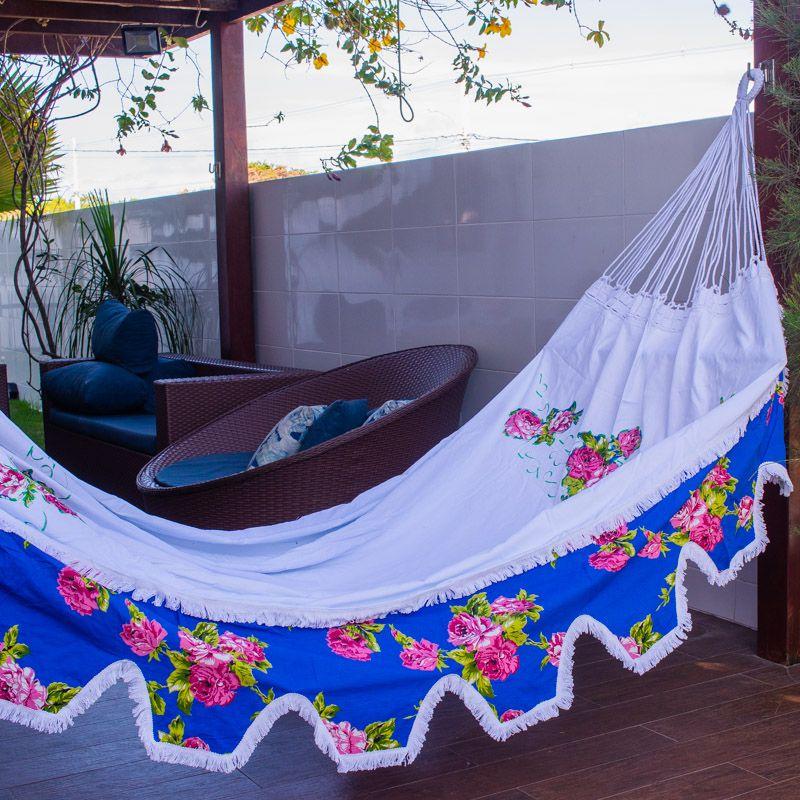 Rede de Dormir e Descansar Sol a Sol com Varanda de Chita Azul