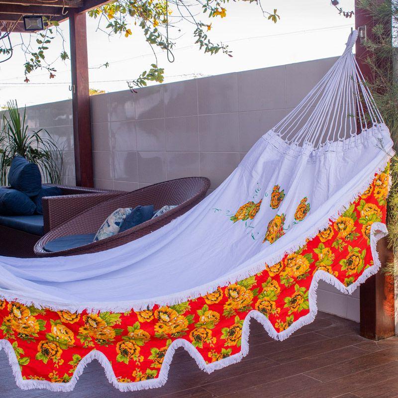 Rede de Dormir e Descansar Sol a Sol com Varanda de Chita Laranja