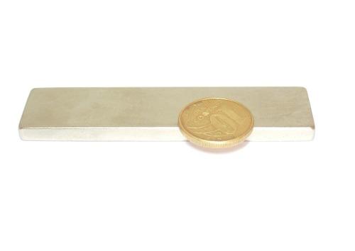 Imã de Neodímio Bloco N35 80x20x5 mm