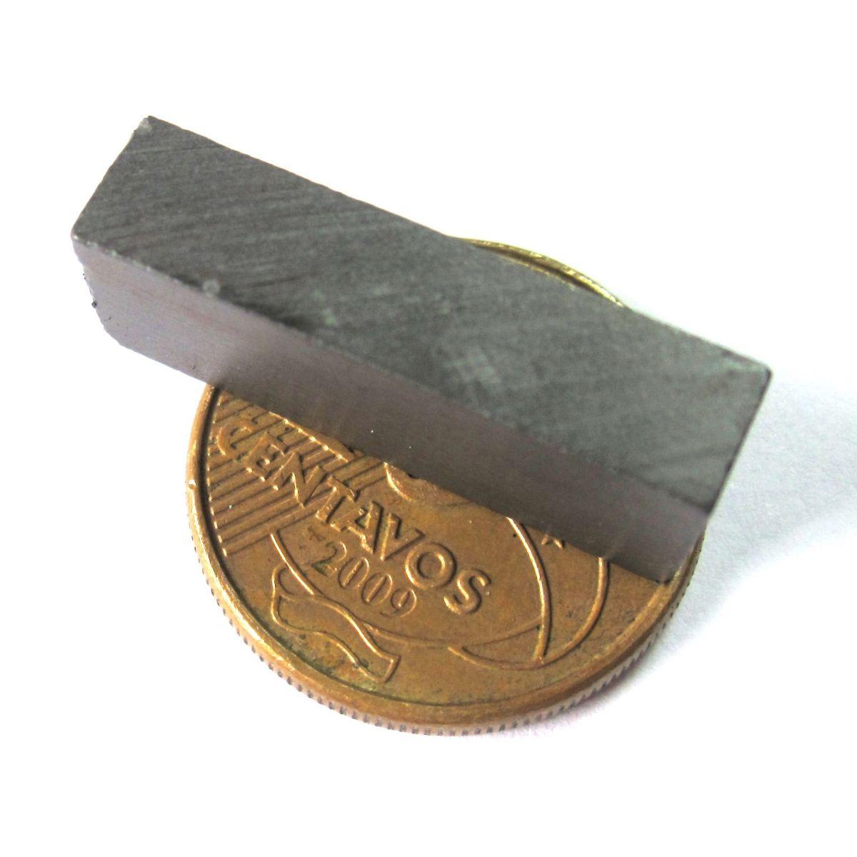 Imã de Ferrite Bloco (cerâmica) Y30 24x9x5,5 mm