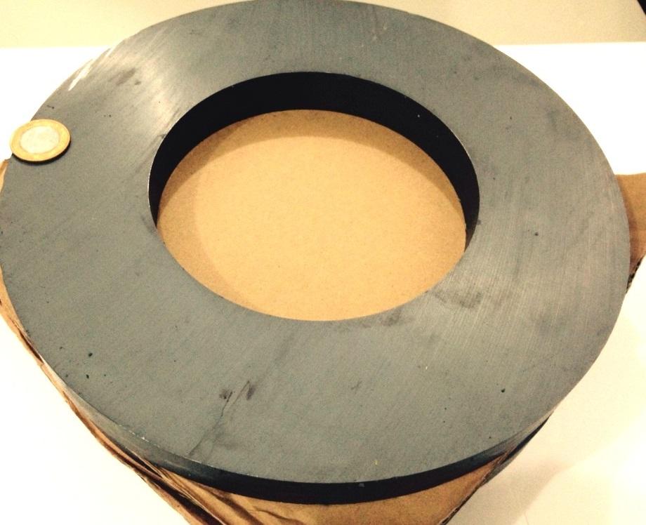 Imã de Ferrite Anel (cerâmica) Y25 280x150x25 mm