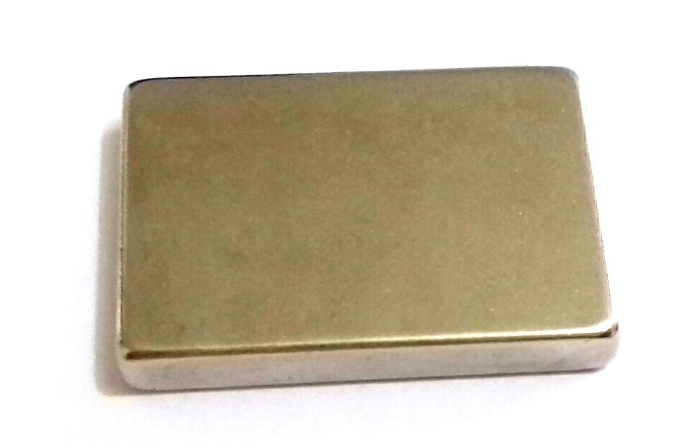 Imã de Neodímio Bloco N35 32x22x5 mm  - Polo Magnético