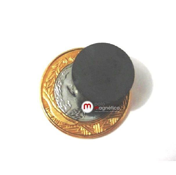 Imã de Ferrite Disco (cerâmica) Y30 17x8 mm  - Polo Magnético