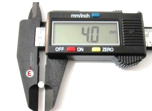 Imã de Neodímio Cilindro N35  4x4 mm  - Polo Magnético