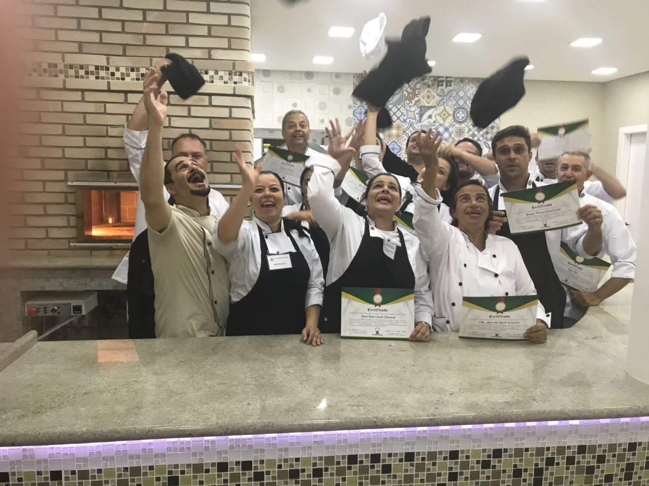 CURSO PROFISSIONAL PRESENCIAL PARA DONOS DE PIZZARIAS E PIZZAIOLLOS ANO  2018/2019  - Fórum de Pizzas Vendas online