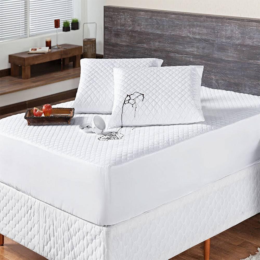 Kit Protetor p/ Colchão Impermeável Aconchego Casal + Protetor de Travesseiro - 03 Peças - Branco