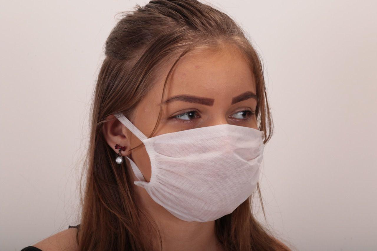 Máscara Facial Descartável em TNT Kit com 10Un - branca