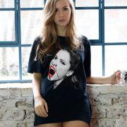 Camiseta Anitta Essa Mina é Louca