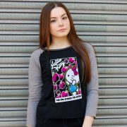Camiseta Manga Longa Feminina Hello KItty Ready for Action