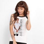 Regata Feminina Justin Bieber Standing Photo