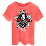 T-shirt Premium Masculina Wonder Woman She´s a Threat