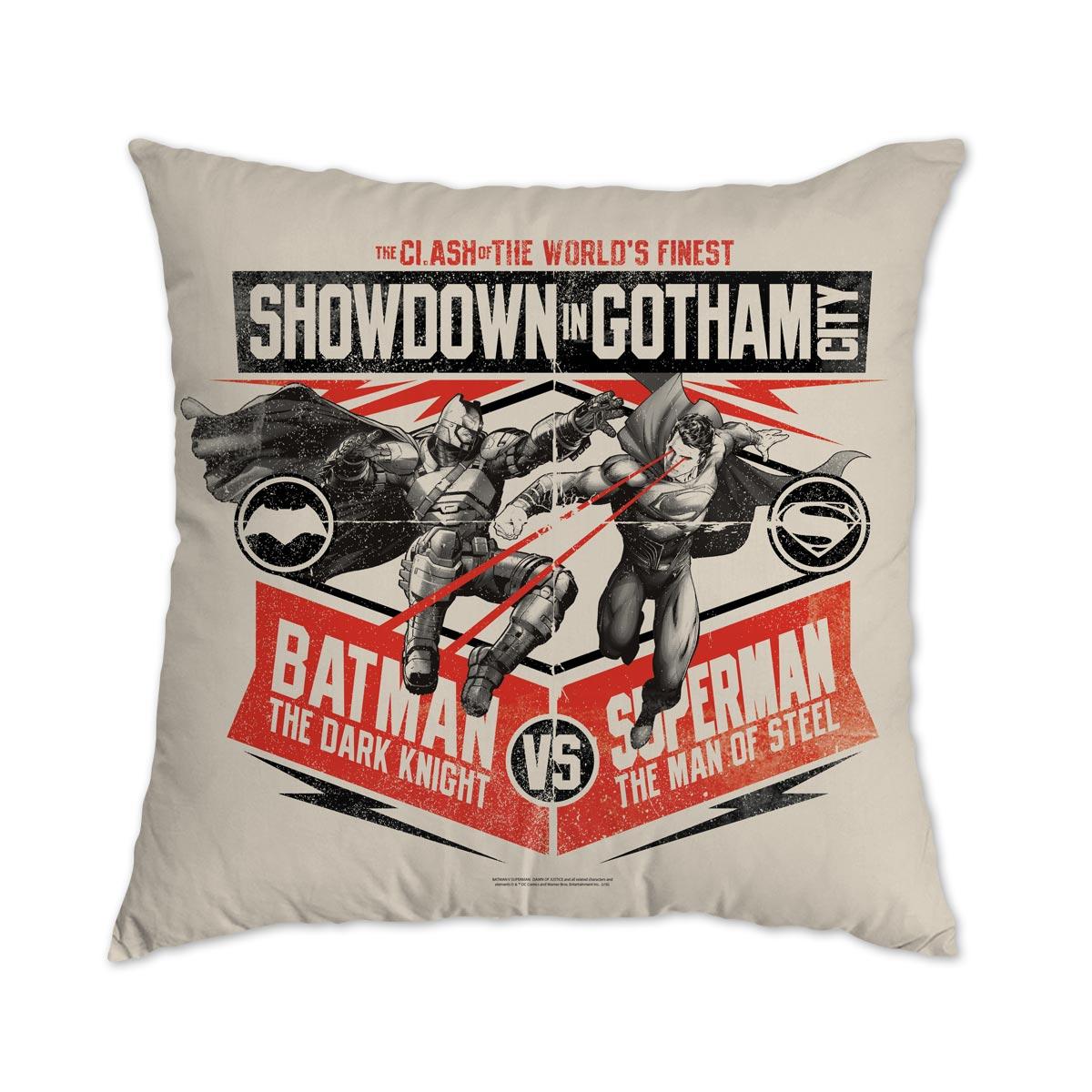 Almofada Batman VS Superman Showdown In Gotham City