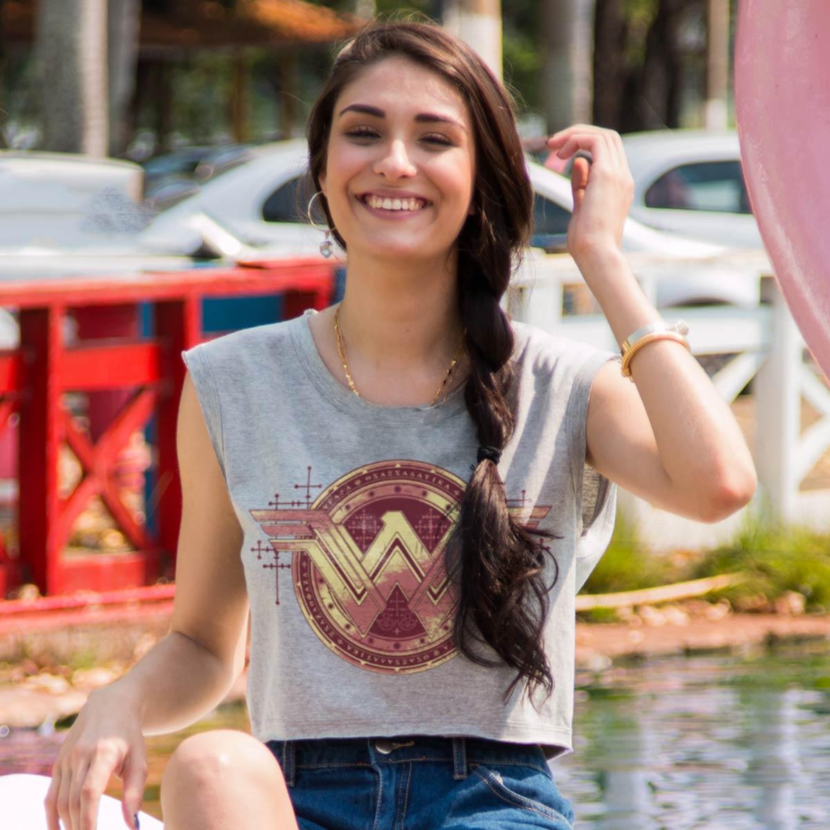 Blusa Cropped Feminina Wonder Woman Gold Logo