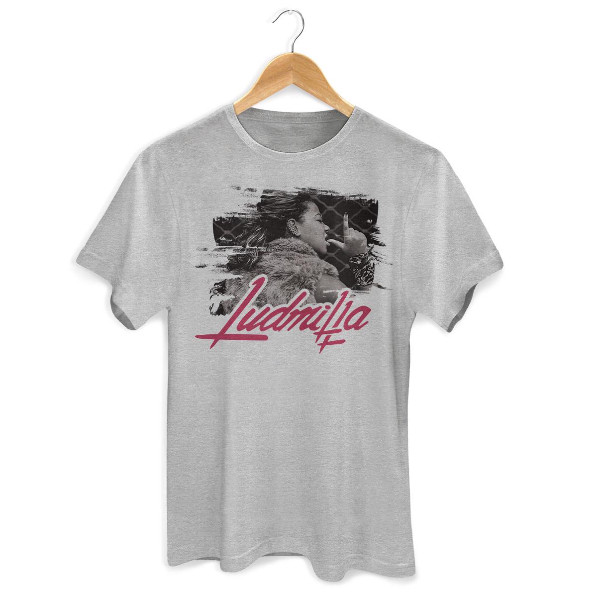 Camiseta Masculina Ludmilla Foto