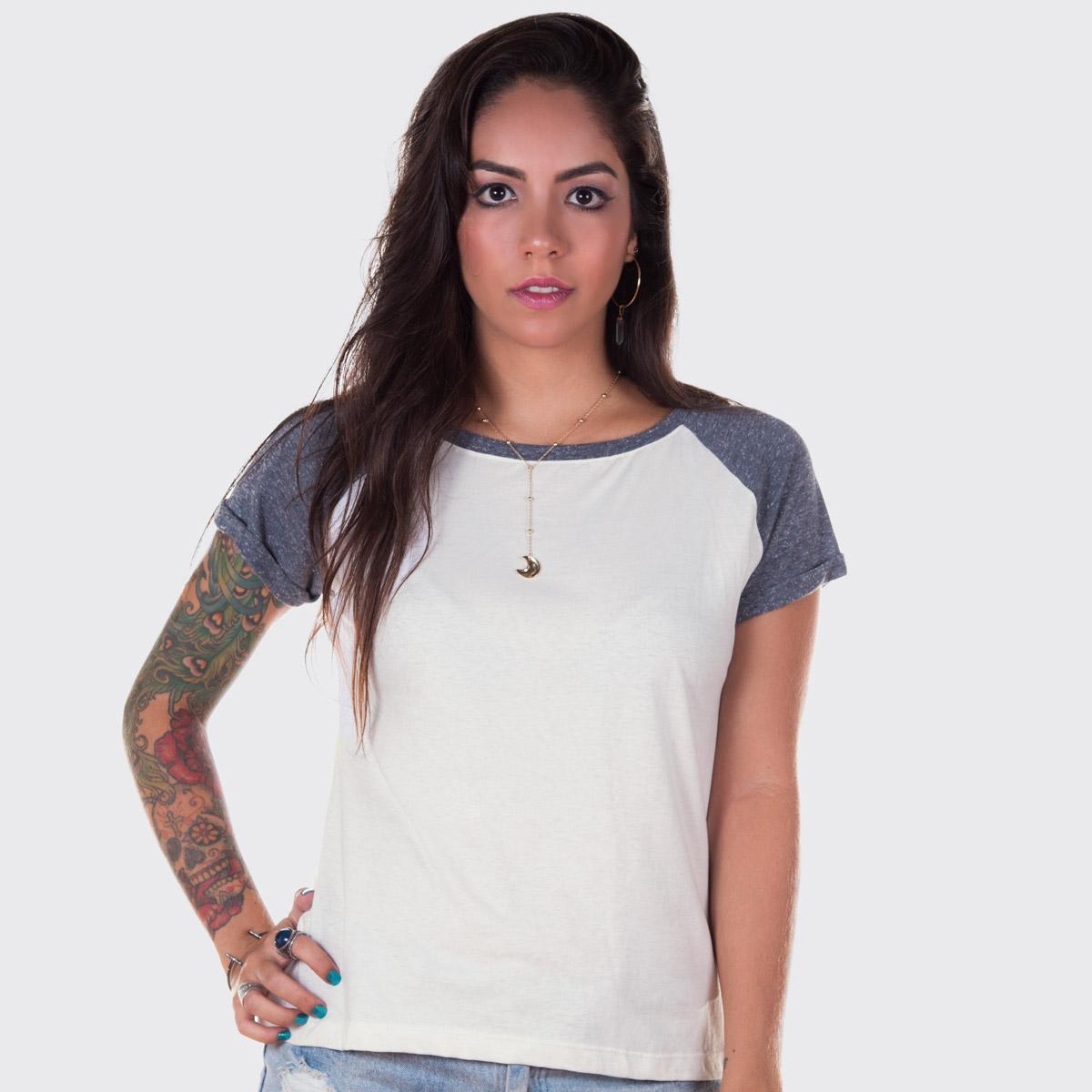 Camiseta Raglan Feminina Off White e Cinza