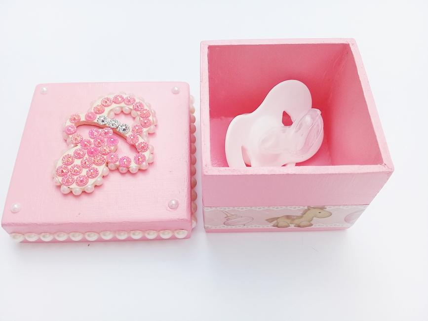 Caixa p/ Chupeta Age Play Pequena decorada Artesanal - Ref CXP 667/0124 rosa Perola