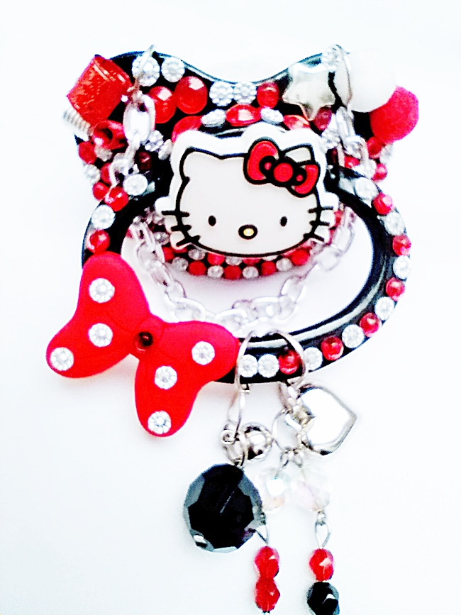 Chupeta Adulto Decorada Tamanho G artesanal Ref 10/0124 Hello Kitty