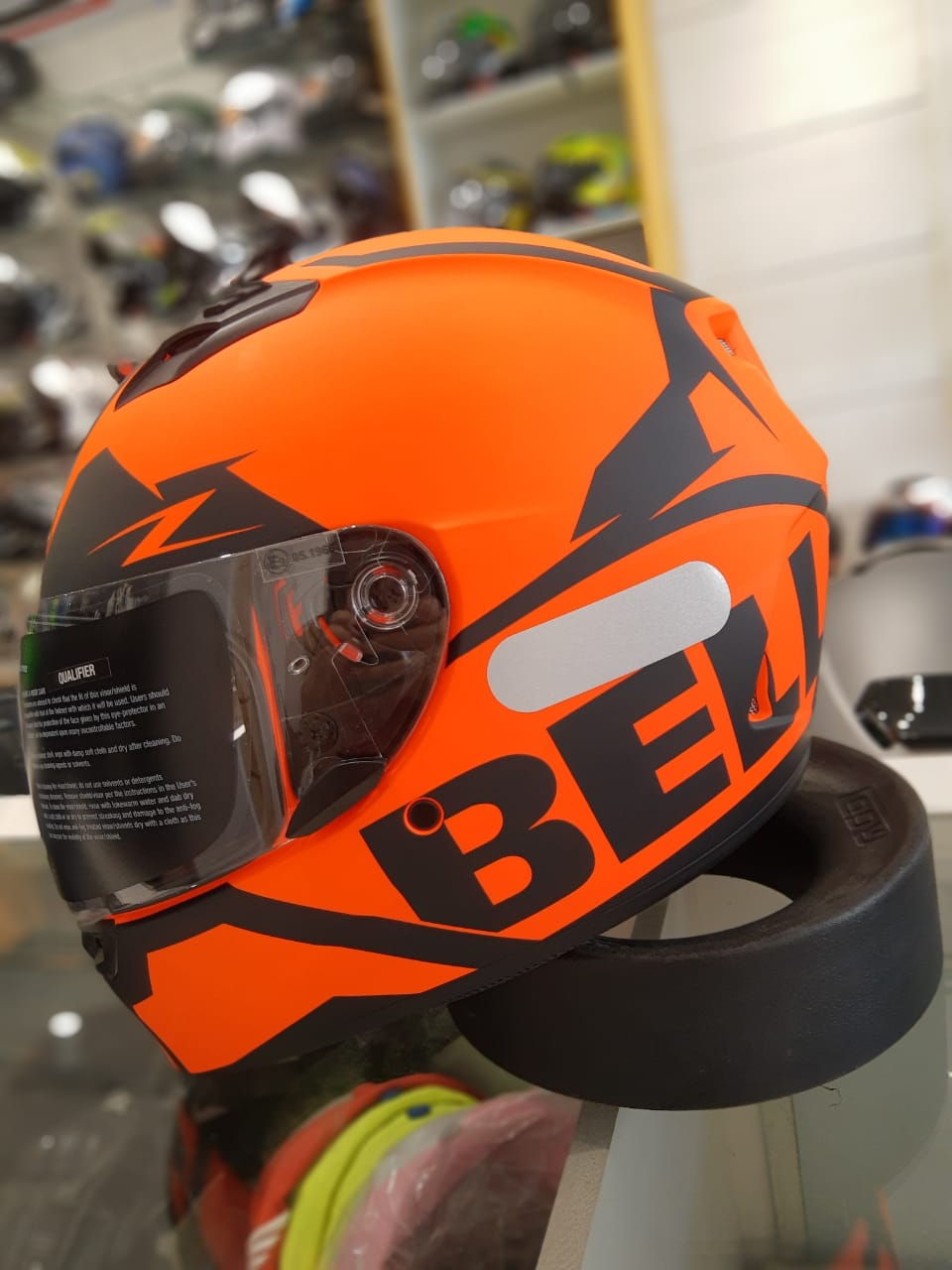 CAPACETE BELL QUALIFIER MOMENTUM MATTE ORANGE SNOW  - Planet Bike Shop Moto Acessórios